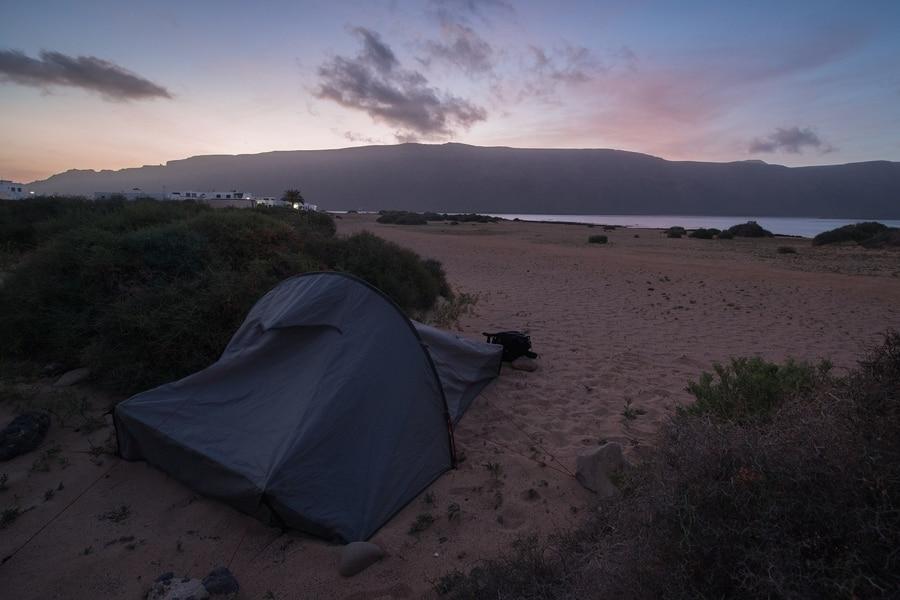 Acampar en La Graciosa, Islas Canarias