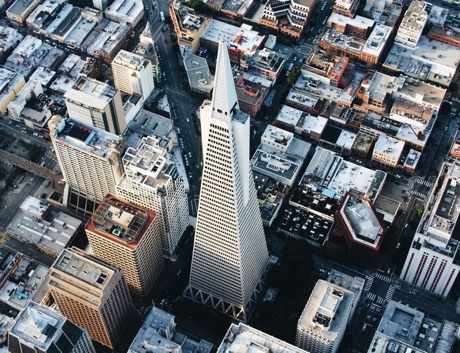 Transamerica Pyramid, a skyscraper to visit in San Francisco