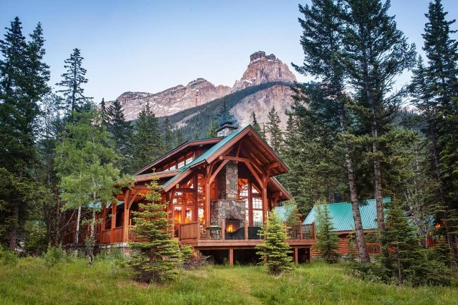 Cathedral Mountain Lodge, good area to stay in Yoho