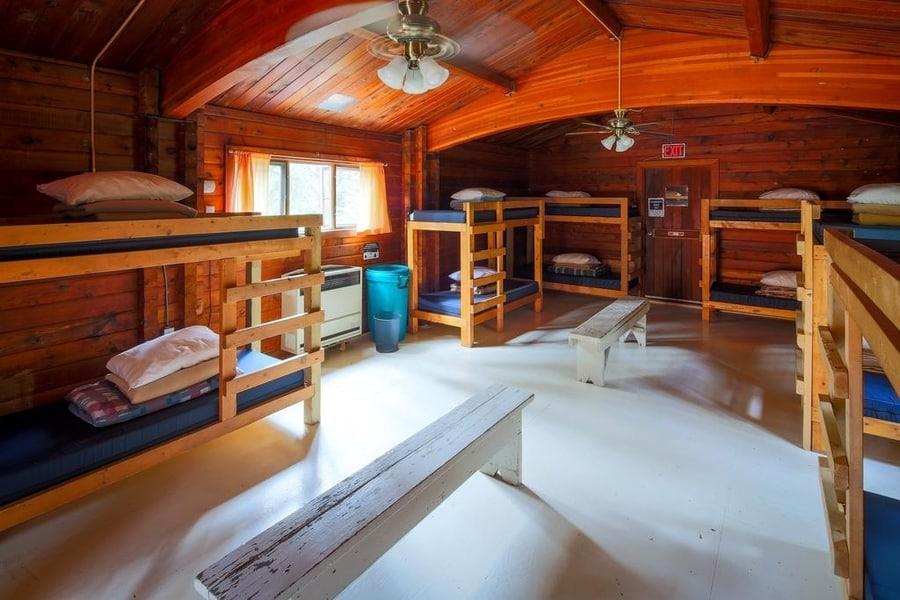 HI-Atabhasca Falls, cheap hotel in Jasper Icefield Parkway