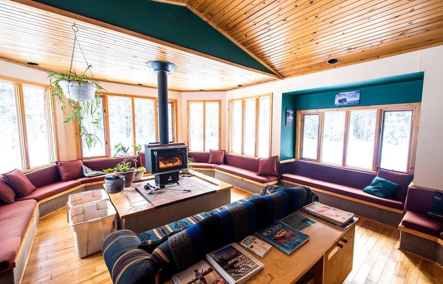 HI-Castle Mountain Hostel, dormir en una cadena hotelera de Banff