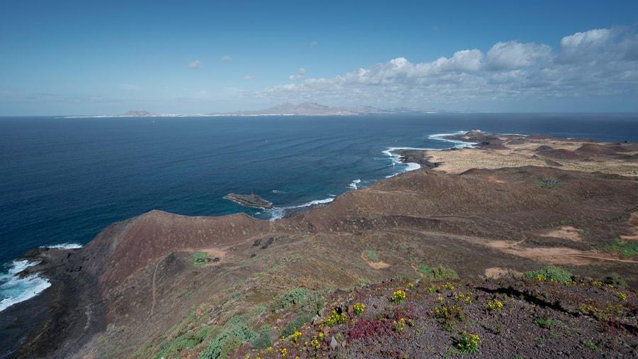 La Caldera Mountain, the best views of Lobos Island