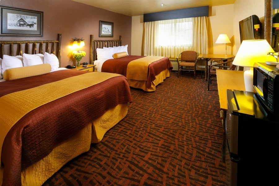 Elk Country Inn, sleep near Grand Teton, Wyoming, USA