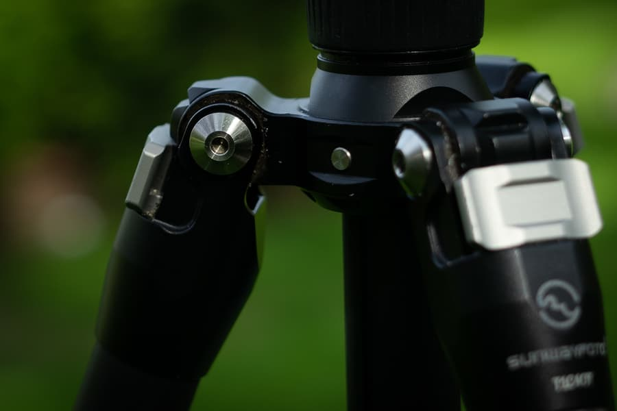 Sunwayfoto T1C40T Tripod - Durable tripod leg joints