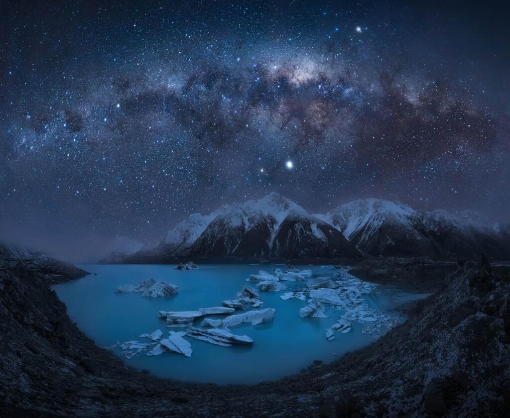 """Space on Earth"" – Elena Paxaluk"
