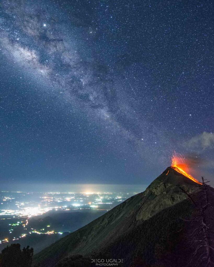 «Erupción de estrellas» – Diego Ugalde
