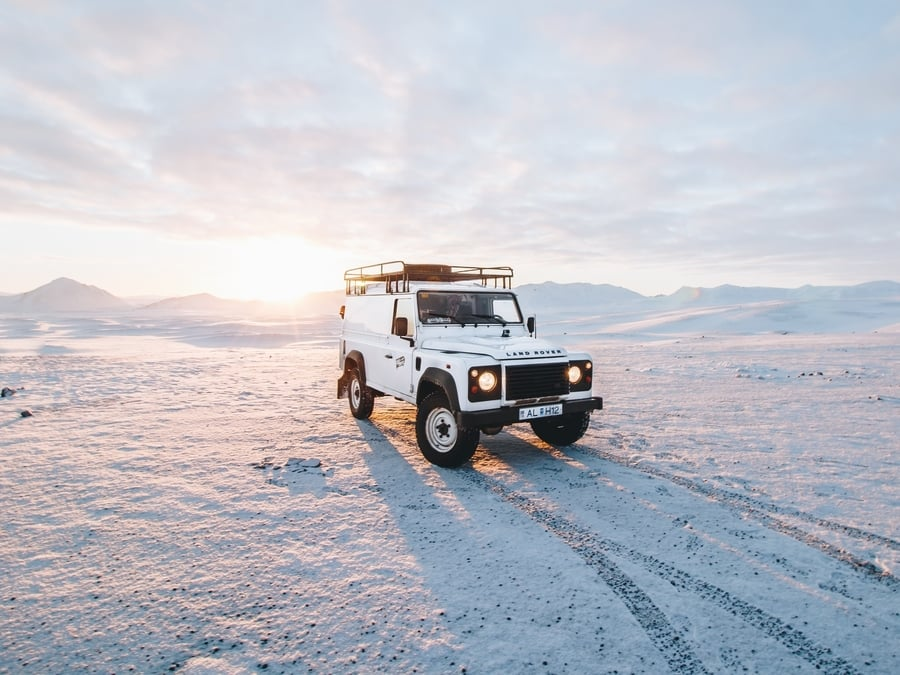 Tricks to rent a car in Iceland cheap