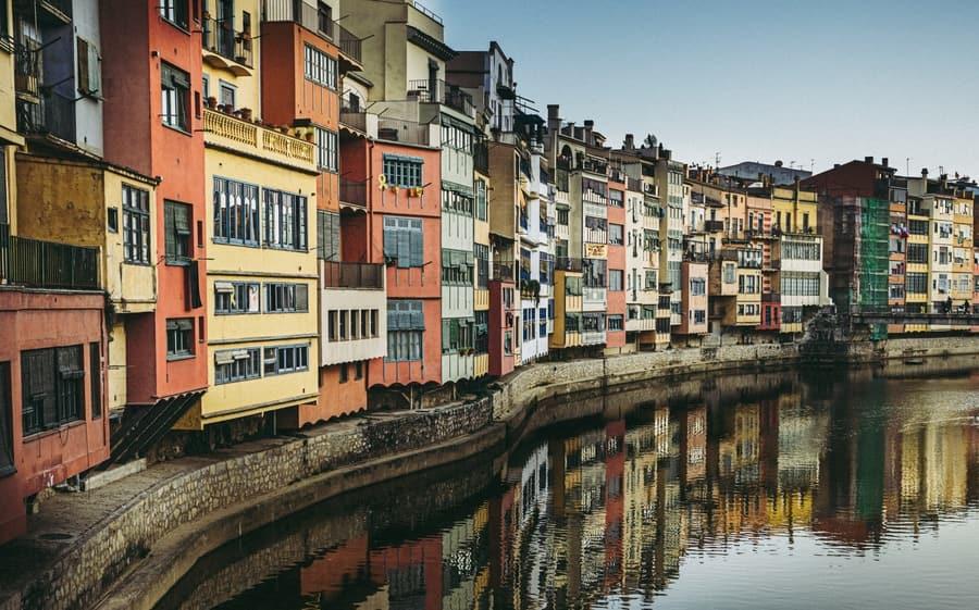 Girona, places to go near Barcelona Catalonia