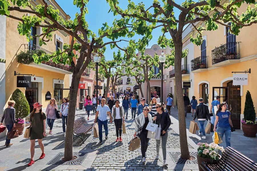 La Roca Village, places to visit near Barcelona