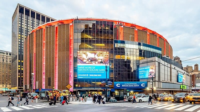 Watch an NBA game at Madison Square Garden, cool things to do in New York City