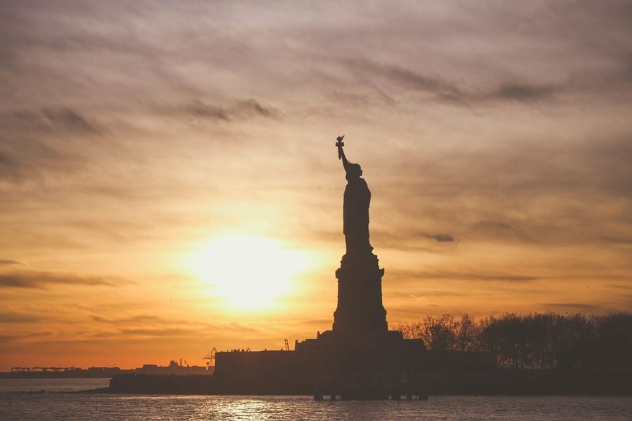 Sunset cruise, cool things to do in NYC