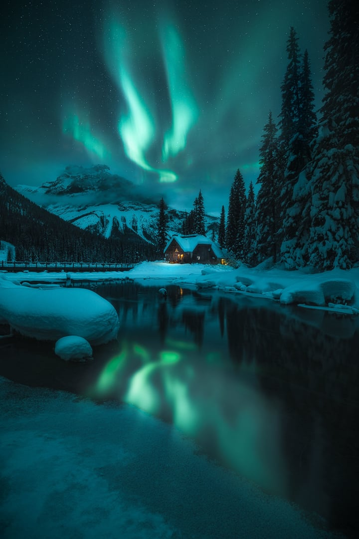 Image du jour - Page 8 Northern-Lights-photographer-of-the-year-2020