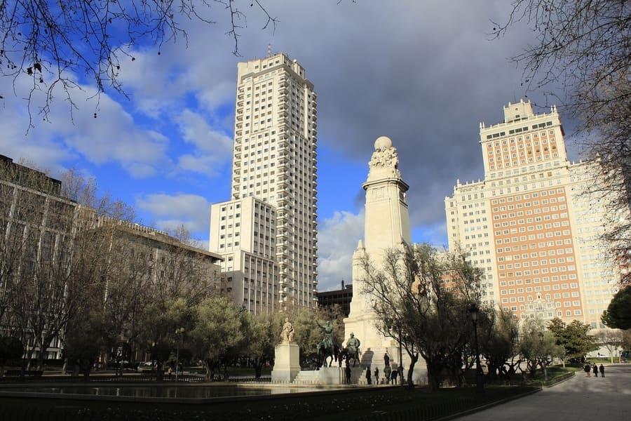 Plaza de España, lugares para visitar en Madrid, España