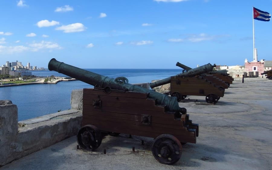 Cannon firing ceremony, what to see in Cuba