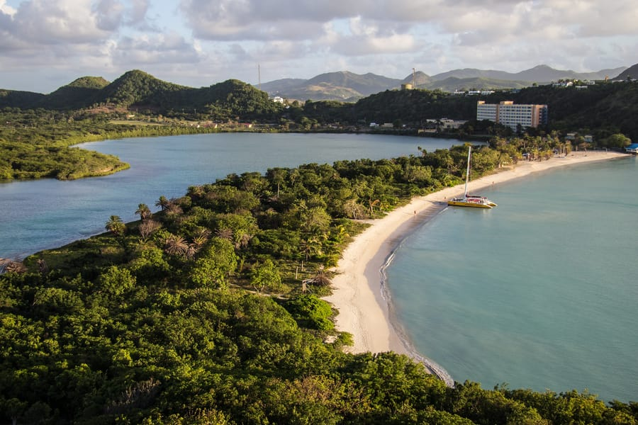 Is PCR testing mandatory to travel to Antigua and Barbuda