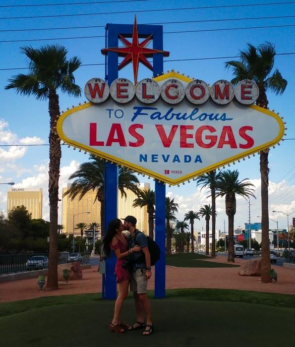 Fabulous Las Vegas sign selfie, romantic things to do in Las Vegas