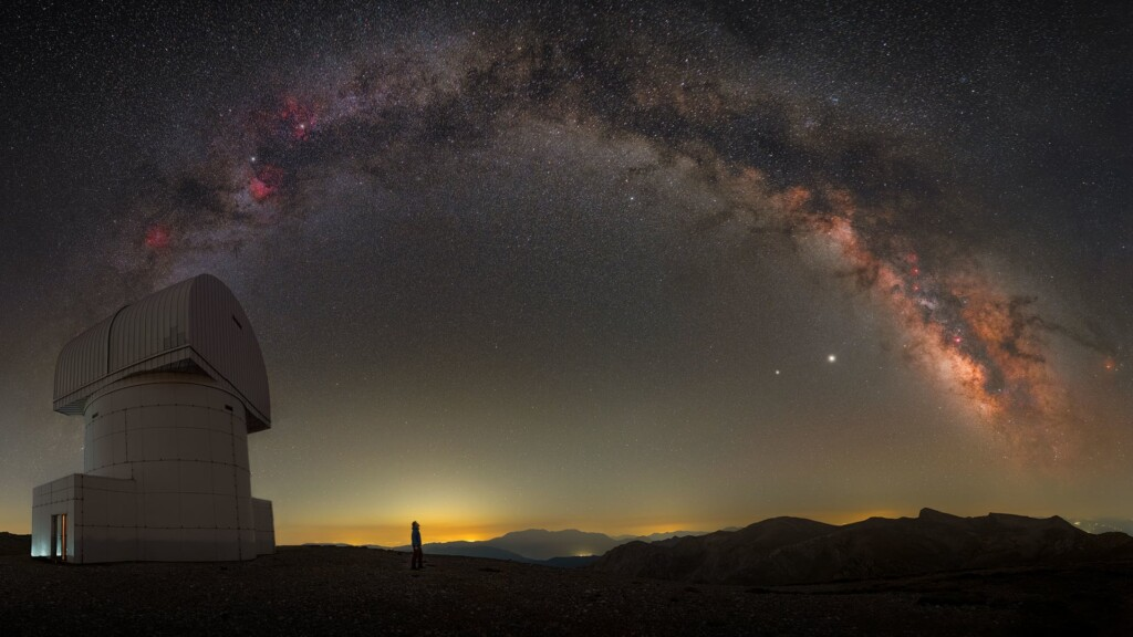 """""""Starry night at Helmos Observatory"""" – Constantine Themelis"""