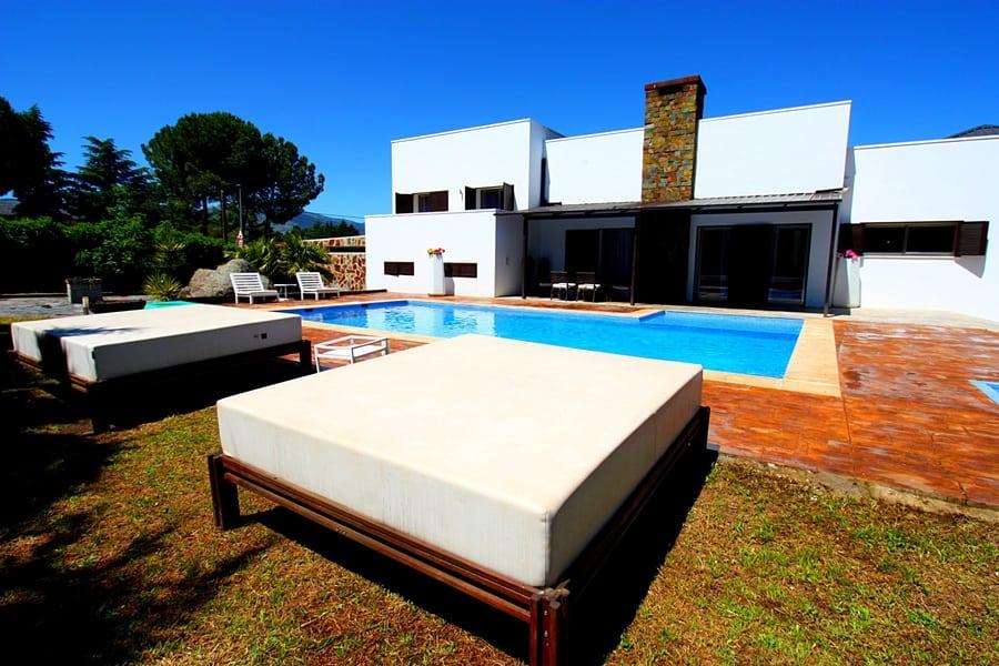 Villa La Roca, casa rural Comunidad de Madrid piscina