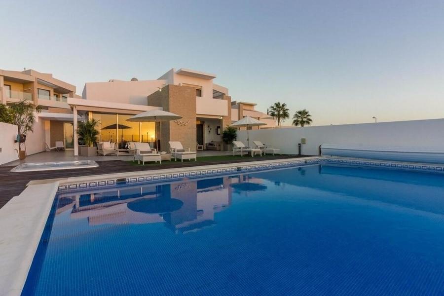 Villa White Whale, casas rurales Tenerife con piscina y jacuzzi