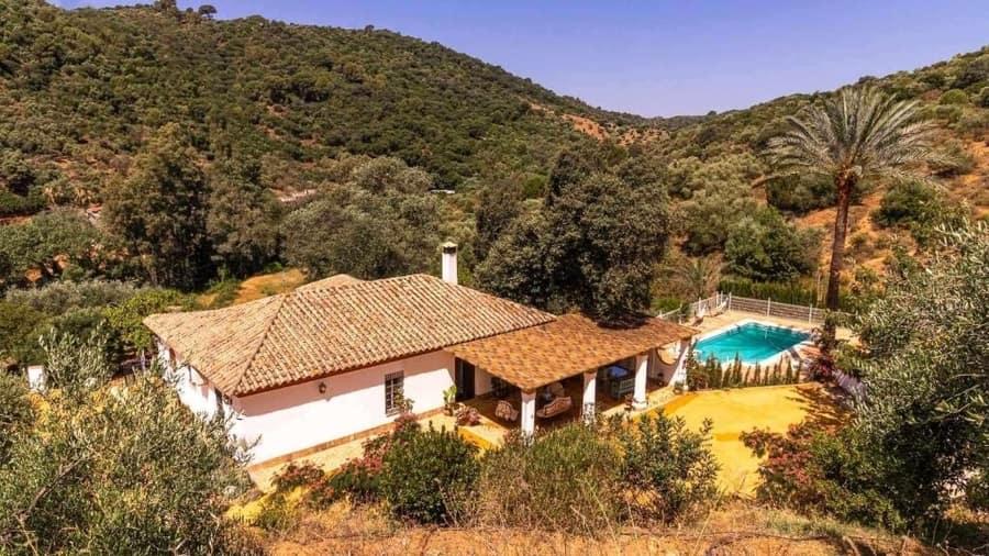 Los Menestrales, casas rurales románticas España