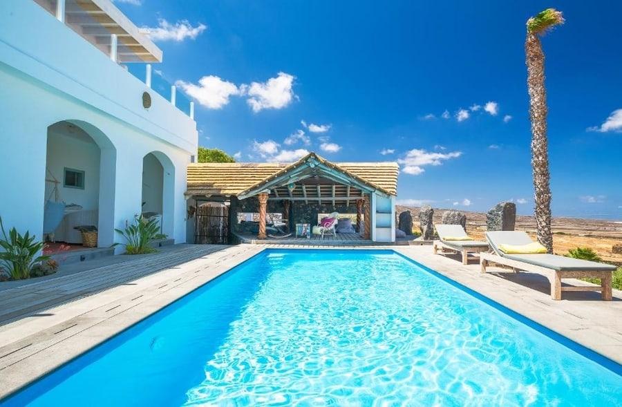 Villa Palacio and Yurt, casas rurales en Lanzarote con piscina