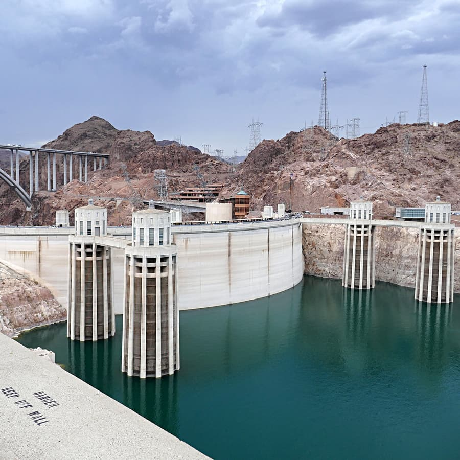 Hoover Dam Visitor Center, visiting the Hoover Dam